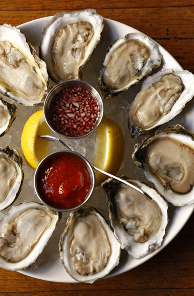 how to eat oysters the right way